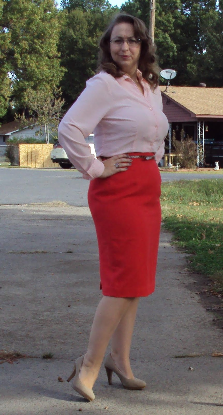 1030pic1+red+pencil+skirt