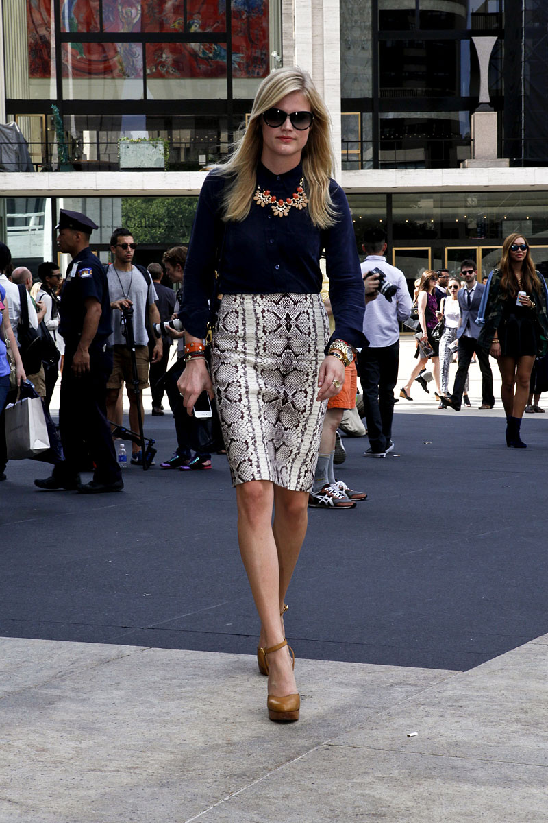 tendencias_primavera_2013_falda_lapiz_pencil_skirt_street_style_street_wear_moda_en_la_calle__257609227_800x1200