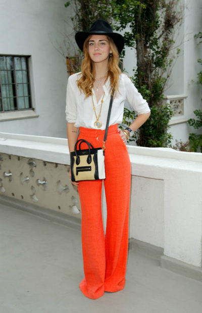 work-outfit-idea-bright-pants-h724