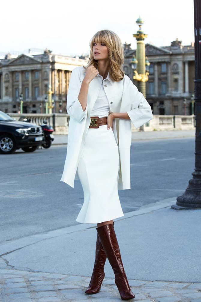 All-White-Outfit-with-Brown-High-Heel-Boots