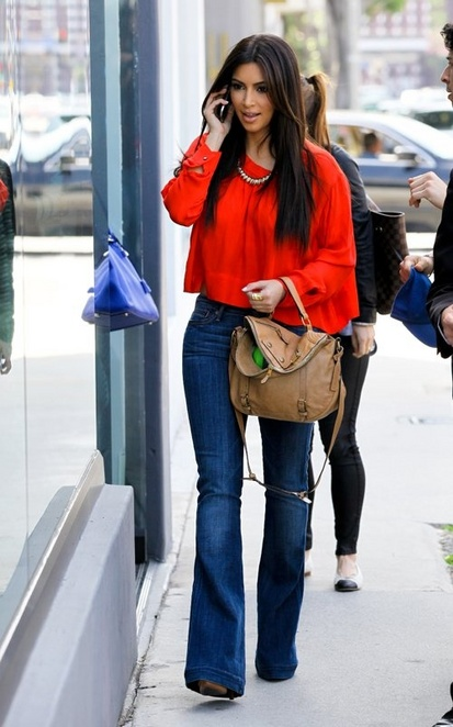 http://howdoitcom.tumblr.com/post/41707695044/cute-casual-outfit-love-the-wide-leg-jeans-w-tucked-in