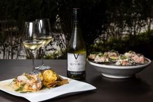 Conchitas a la parmesana con Vittoria Reserva Chardonnay Restaurante Alfresco E