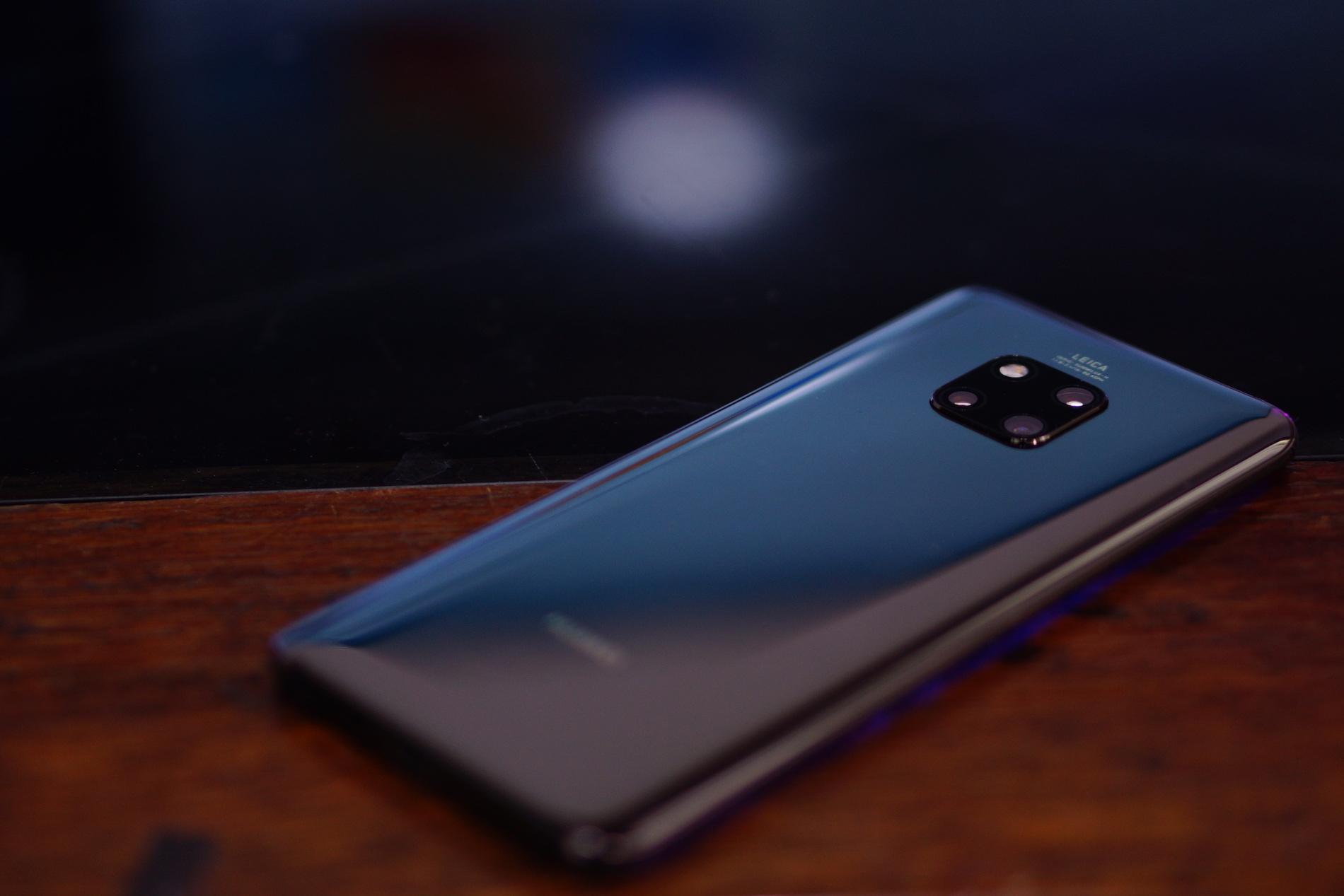 11b64d6a94a Huawei sigue también explorando una variedad de colores y tonalidades con  sus teléfonos – algo que me encantó en el P20 – y ahora nos trae una  versión de ...