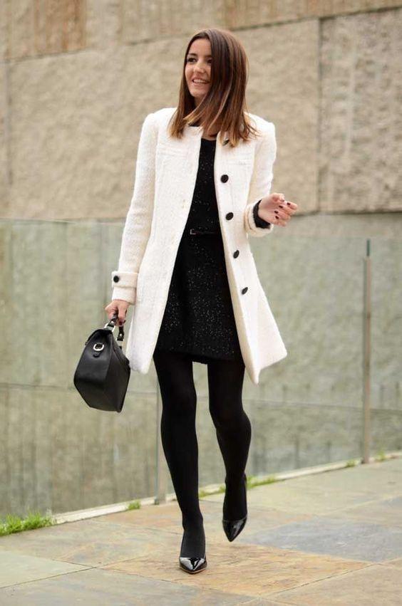 Vestidos con medias negras gruesas