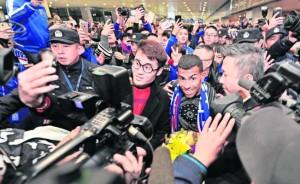 Carlos Tévez el día de su llegada al Shangai Shenhua.