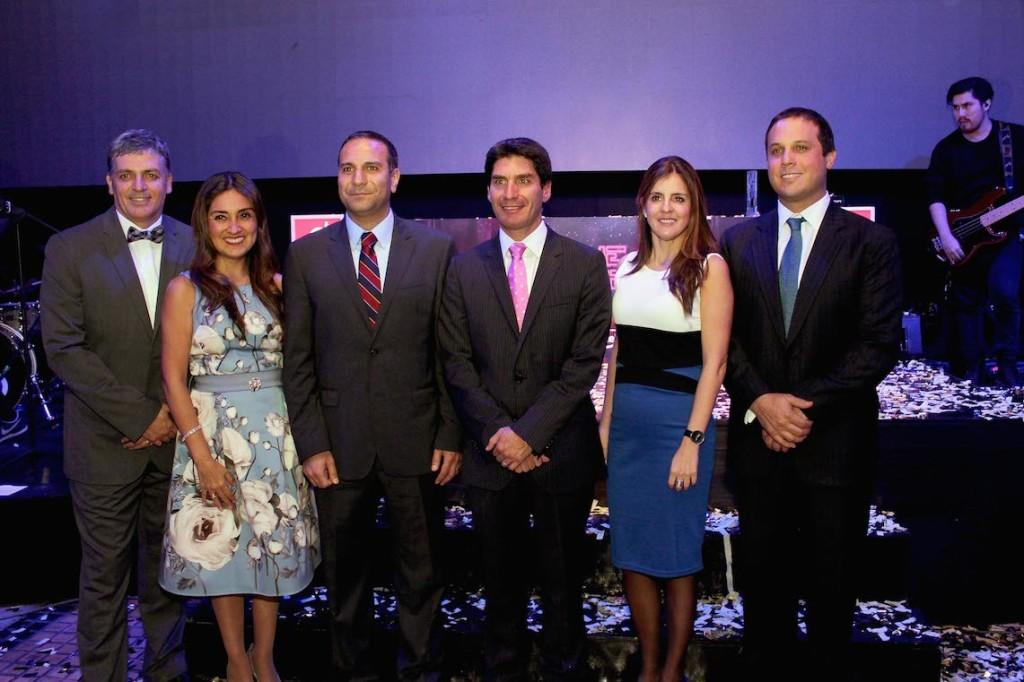 Alvaro Fischer, Nair Trejo, Andrès Becerra, Marco Jimenez, Denise Ruiz y Jaime Pomareda de Lenovo