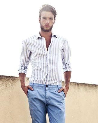 camisa-de-manga-larga-de-rayas-verticales-blanca-pantalon-chino-azul-large-397