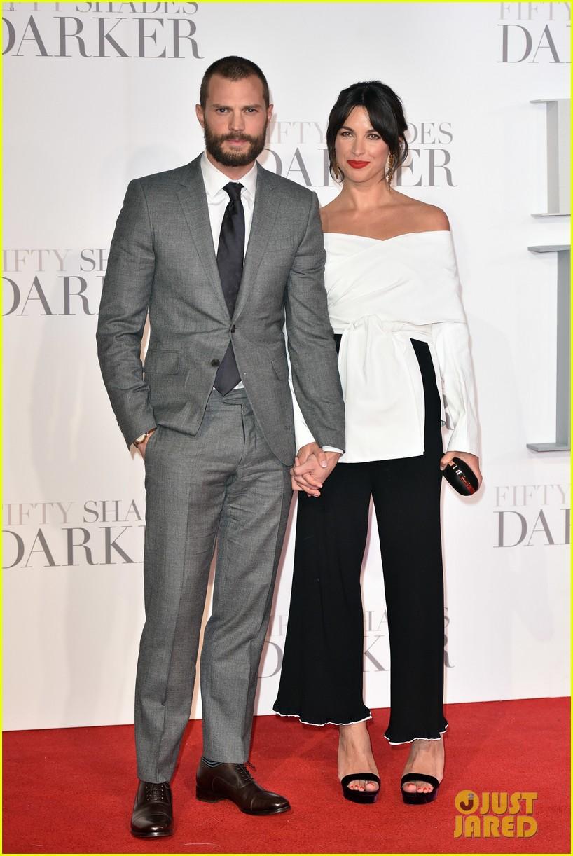 jamie-dornan-wife-amelia-warner-look-so-in-love-at-fifty-shades-darker-premiere-01