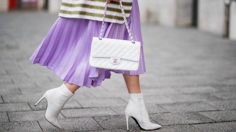 woman-in-light-purple-skirt