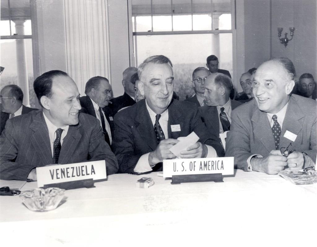 Reuniones durante la conferencia de Bretton Woods.